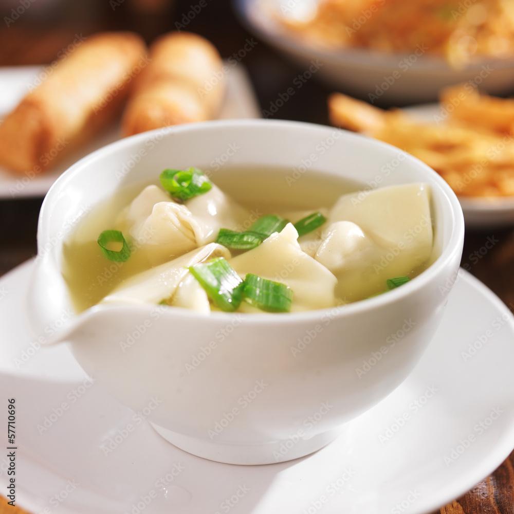 Photo  chinese food - bowl of wonton soup