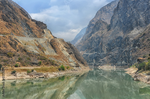 Fotografering  Tiger leaping gorge in China ( world's deepest gorge )