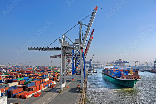 Photo  Container Terminal - Hamburg.