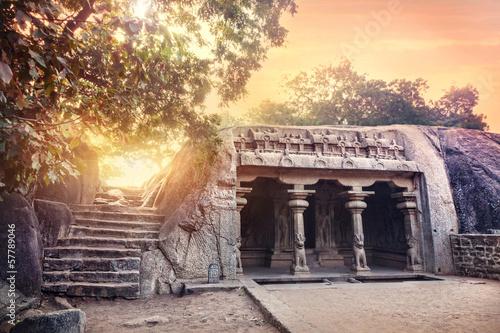 Obraz na plátne Cave in Mamallapuram