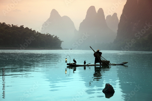 Door stickers Guilin Chinese man fishing with cormorants birds