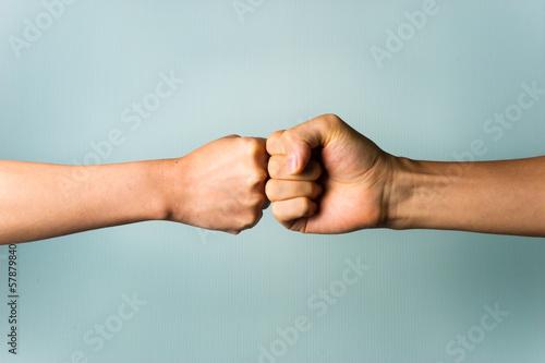 二人の握手 Wallpaper Mural