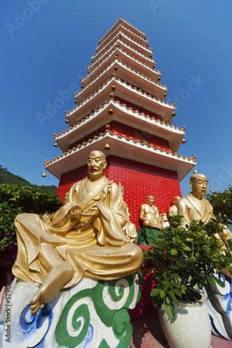 Photo  Ten Thousand Buddhas Monastery in Hong Kong