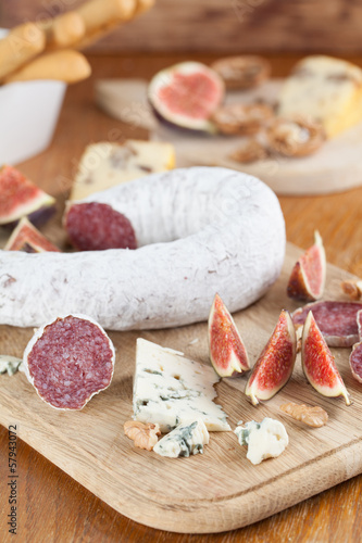 Meat and cheese Fototapete