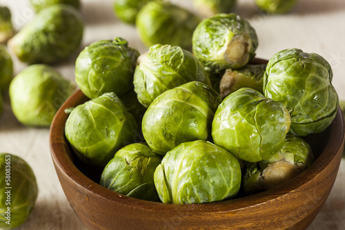 Spoed Foto op Canvas Brussel Organic Green Brussel Sprouts