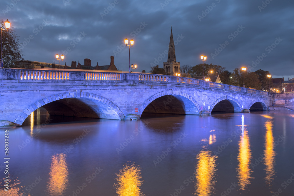 Fototapety, obrazy: Bedford Embankment and Bridge