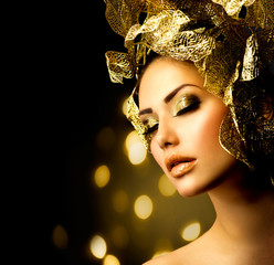 Fashion Glamour Makeup. Holiday Gold Make-up