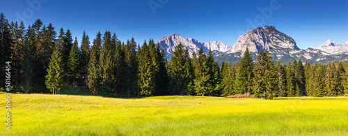 Poster Geel mountains landscape