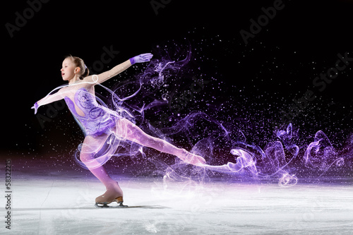 Fotografia Little girl figure skating