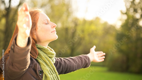 Fotografie, Tablou  Worship with Open Arms