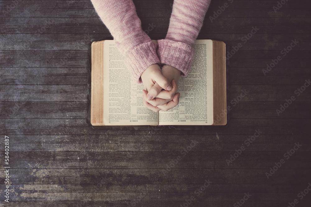 Fototapety, obrazy: Woman praying on table