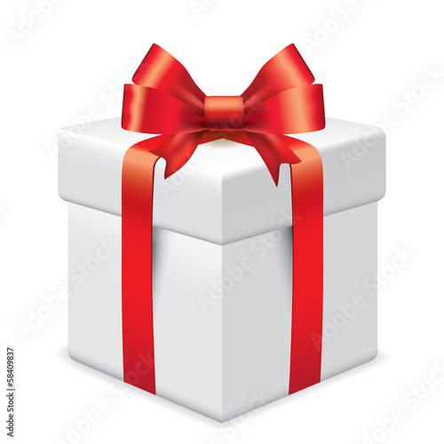 Photo-realistic gift box vector illustration © La Gorda