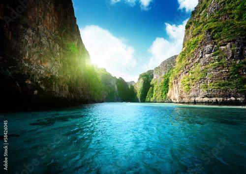 Fototapeta bay at Phi phi island in Thailand