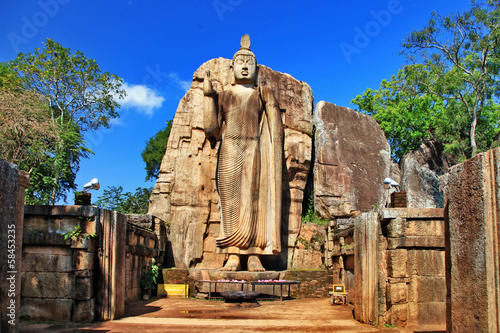Fotografie, Tablou  Big statue of Buddha - Awukana , Sri lanka