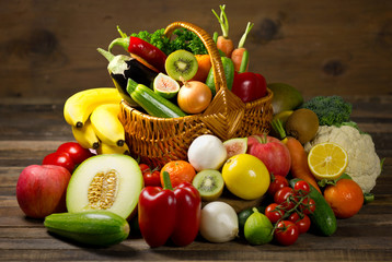 Obraz na PlexiFresh, organic vegetables and fruits in the basket