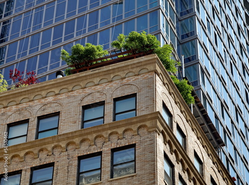 Petite Terrasse Sur Le Toit New York Buy This Stock Photo And