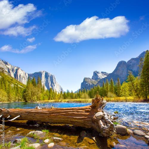 Photo  Yosemite Merced River el Capitan and Half Dome