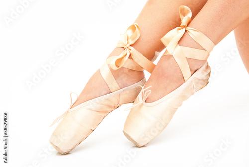 Photo  Beautiful woman legs with pink tiptoe