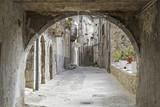 Stara kamienna uliczka w Pacentro - Włochy