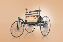 Oldtimer Erstes Auto Der Welt ...