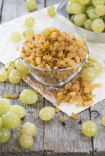 Portion Of Dried Grapes