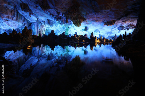 Reed Flute Caves in Guilin, Guangxi Provine, China Fototapet
