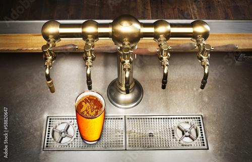 Leinwand Poster  Bier und Hahn