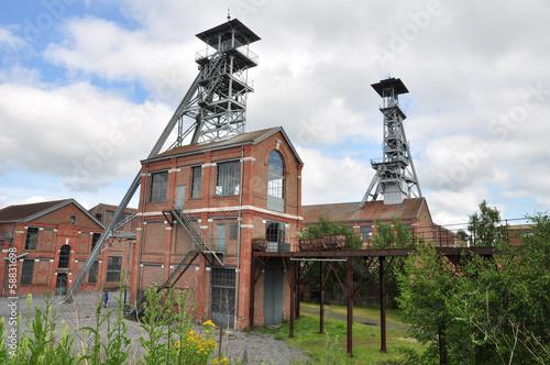 Batiments et chevalements du site minier d'Arenberg