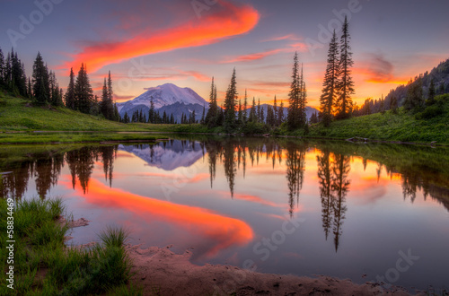 In de dag Natuur Tipsoo lake sunset