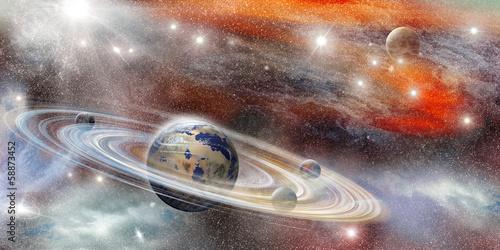 planeta-w-kosmosie-z-licznym-systemem-pierscieni