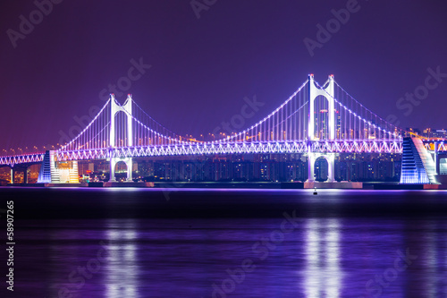 Fotobehang Violet Suspension bridge in Busan at night