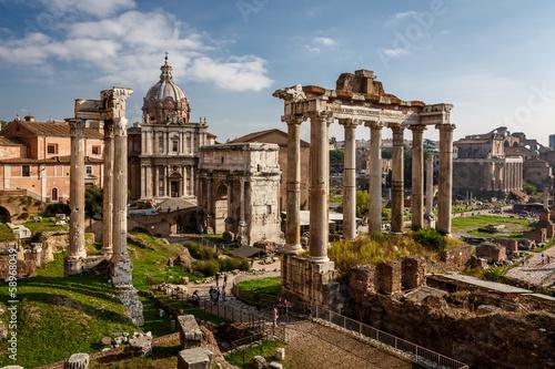 Fotografie, Obraz  Roman Forum (Foro Romano) and Ruins of Septimius Severus Arch an