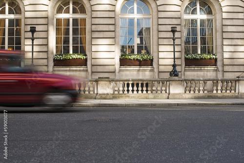 Fotografia Taxi in motion in London