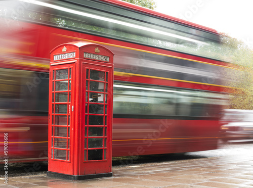 Keuken foto achterwand Londen rode bus Red Phone cabine and bus in London.