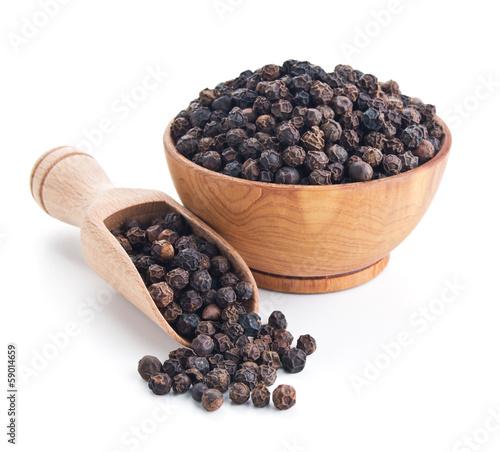 black pepper isolated on white Fototapete