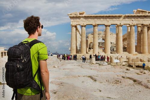 Printed kitchen splashbacks Athens tourist looking at Parthenon, Acropolis ruin, Athens, Greece