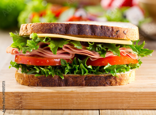 Keuken foto achterwand Snack sandwich with bacon and vegetables