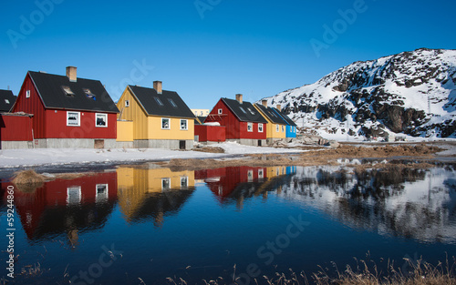 Stickers pour porte Arctique Colorful houses in Greenland
