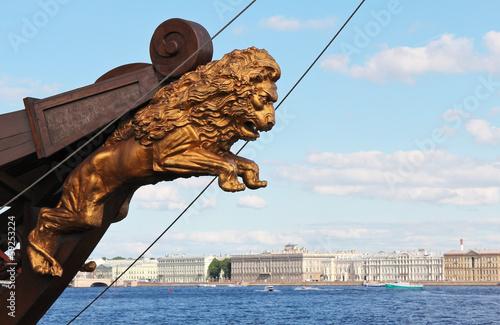 Fotografia Sculpture of a lion in a ship's prow