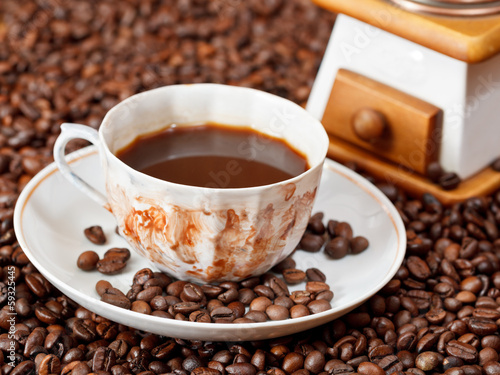 Foto op Plexiglas Chocolade cup of coffee and roasted beans
