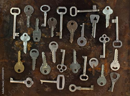 Foto op Plexiglas Chicago Old keys on a rusty metal background