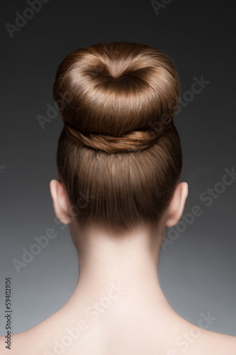 Foto op Plexiglas Kapsalon Woman with elegant hairstyle