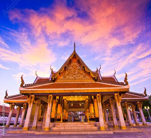 In de dag Bangkok Royal Pavilion Mahajetsadabadin or King Rama III Memorial park