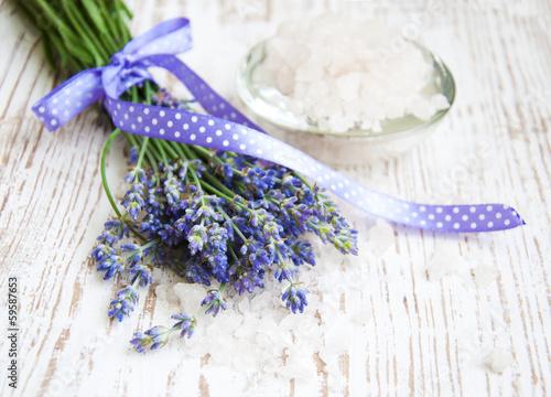 Photo  lavender  salt, and fresh flower