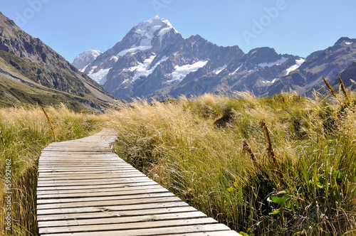 Papiers peints Nouvelle Zélande Boardwalk towards Mount Cook, New Zealand