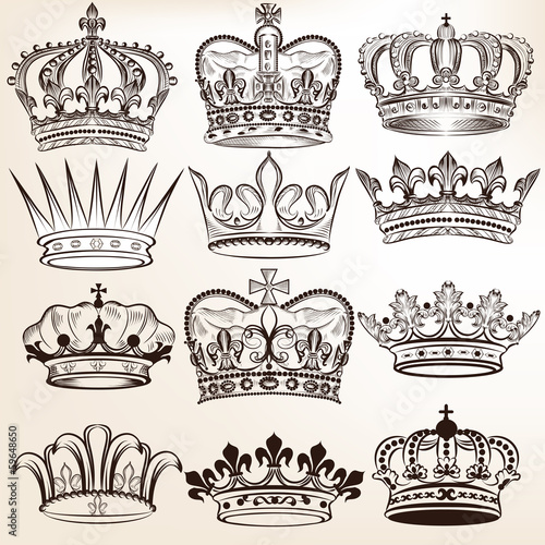 Foto  Collection of vector royal crowns for heraldic design