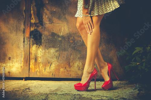Fotografía  red high heel shoes