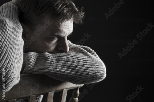 Fotografía  depressed man