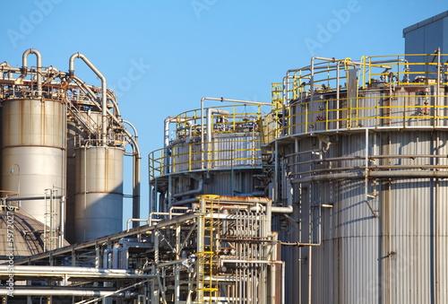 Staande foto Industrial geb. petrochemical industrial plant