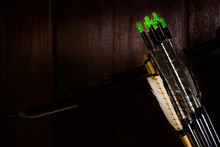 Arrow Fletchings In Different Variation Wwith Bow